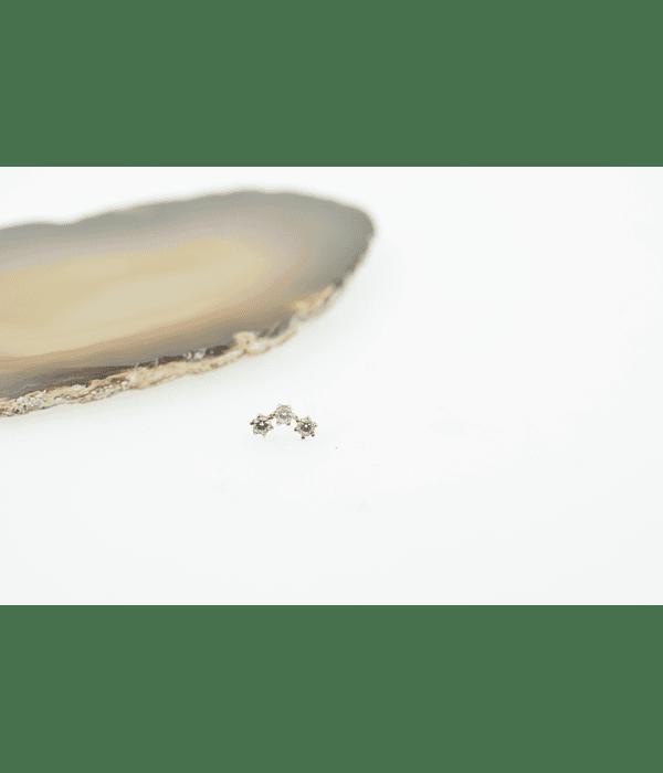 Clúster con 3 zirconias prong set de oro amarillo - Threadless o pin
