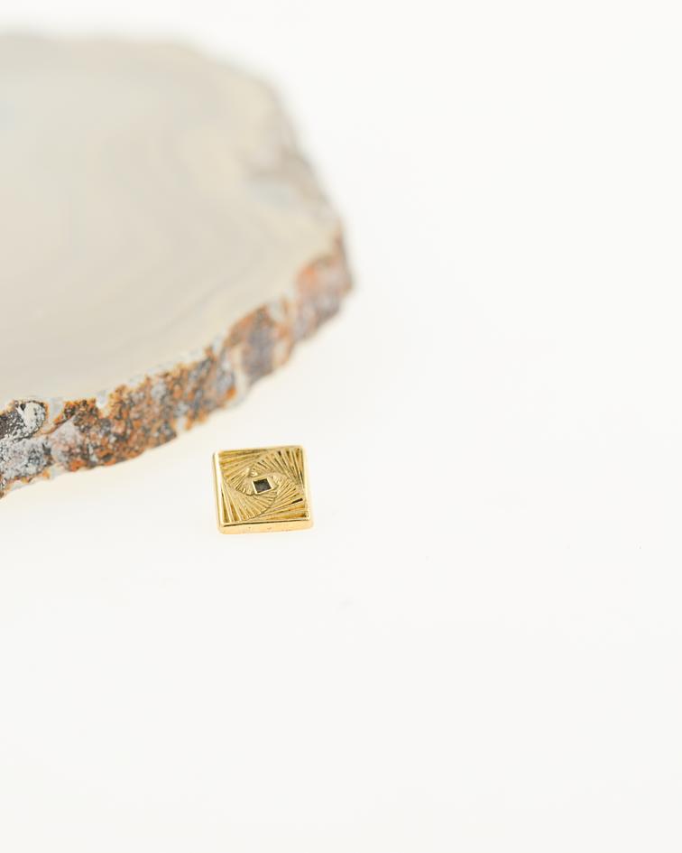 Accesorio ornamental cuadrado oro amarillo - 14g