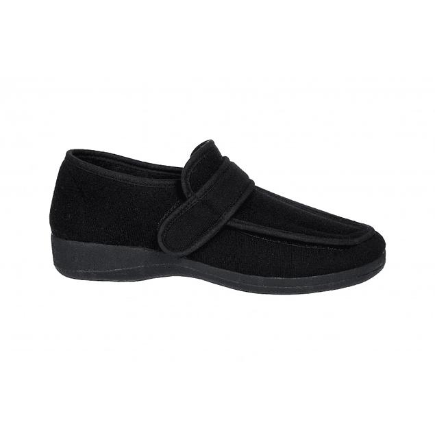 Sapato com abertura total