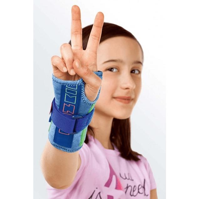 Apoio do pulso com tala imobilizadora pediatrico