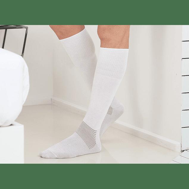 Meia até ao joelho de algodão com fibra de prata