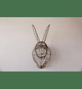 Conejo metálico mural