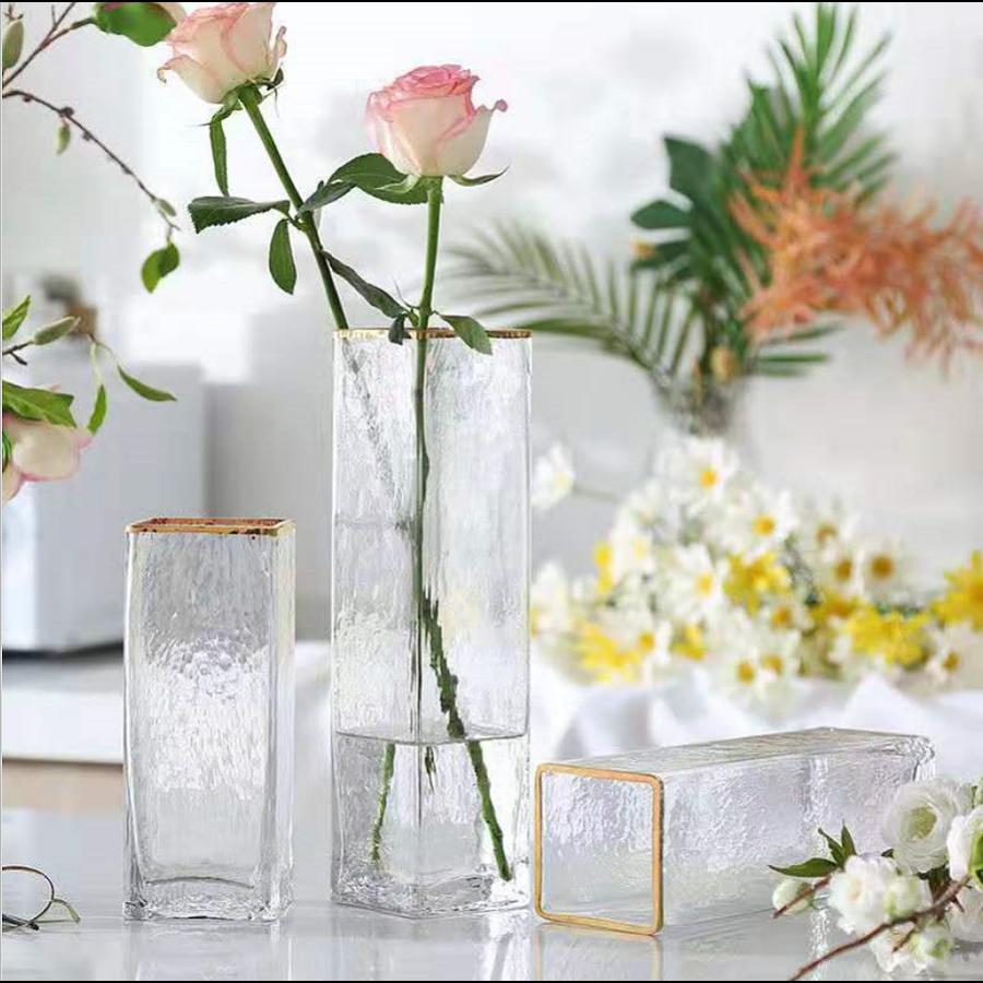 Floreros vidrio borde dorado