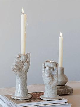 Candelabros manos