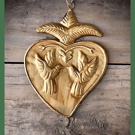 Corazón sagrado aves