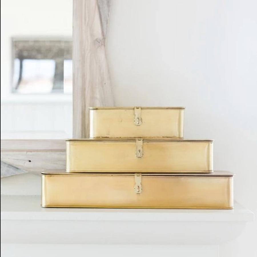 Cajas doradas rectangulares