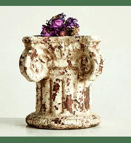 Pedestal terracota