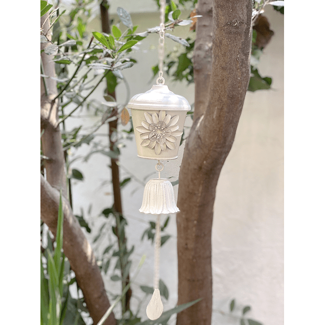 Campana flor blanca
