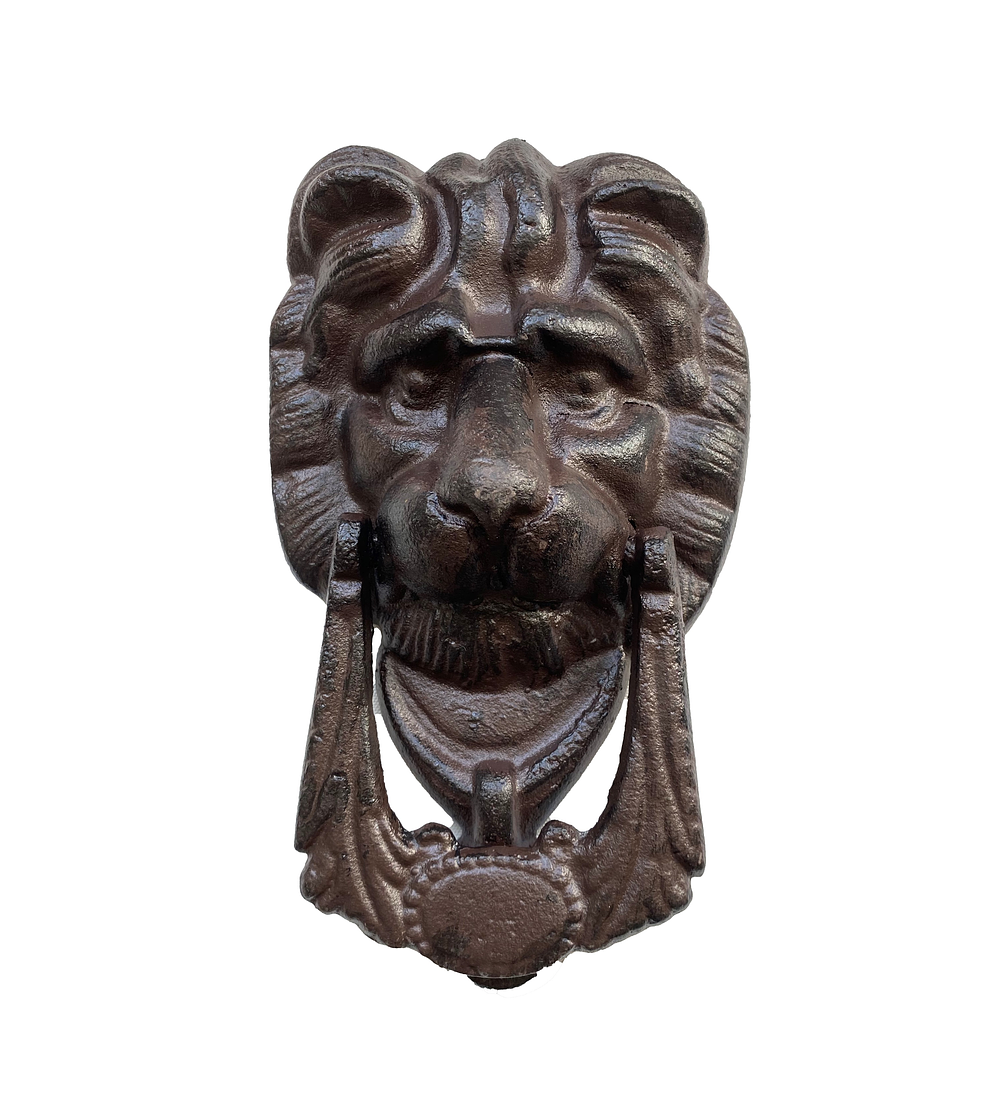 Toca puerta león