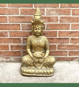 Buda Thai dorado
