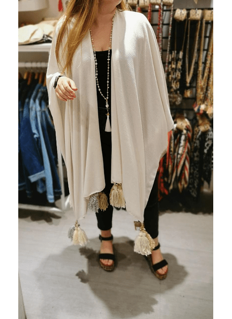 poncho gris nude