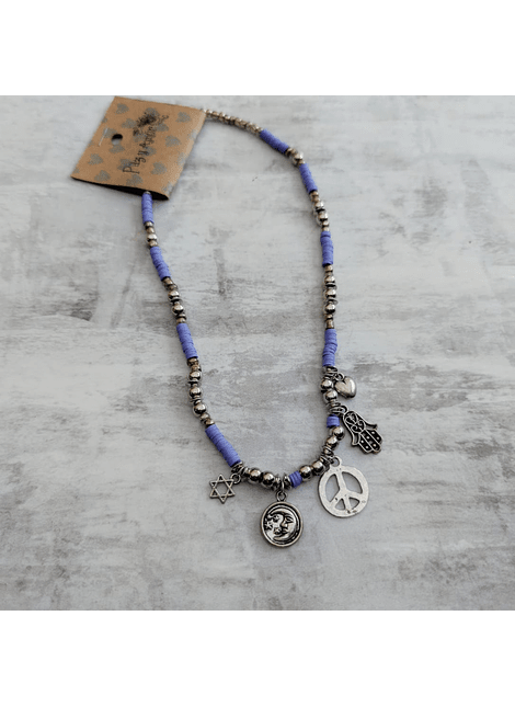 Collar amuleto lila