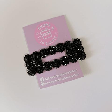 Pinche de Perlas Rectangular Flores Negro