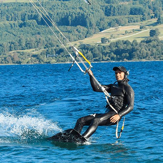 CLASES INDIVIDUALES <br> Kiteboarding / Kitesurf - Image 4