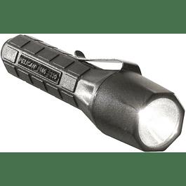 3330 PM6™  Linterna Profesional