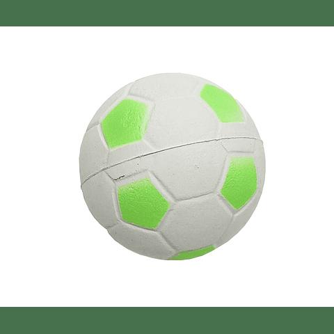 Juguete. Pelota de futbol de goma semidura para perro