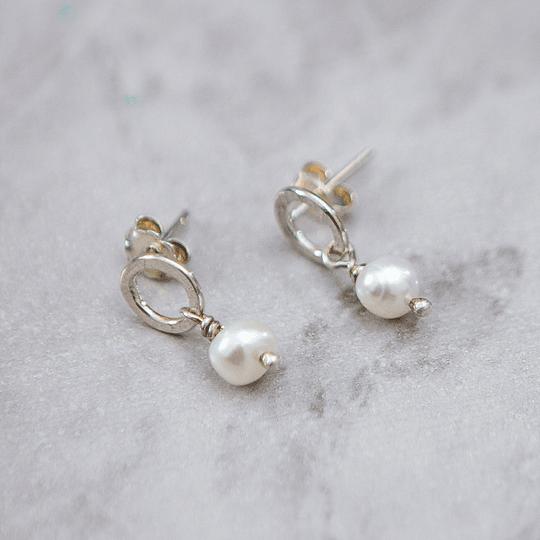 Aro de plata y perla