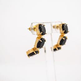 Aro dorado con cristales negros