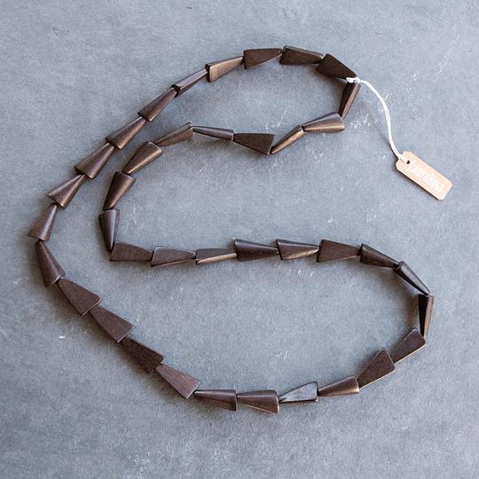 Collar largo de madera