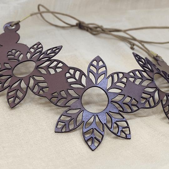 Collar Cuero Flores