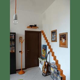 Escalera grande con Repisa