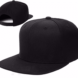jockey tipo Snapback color negro con estampado