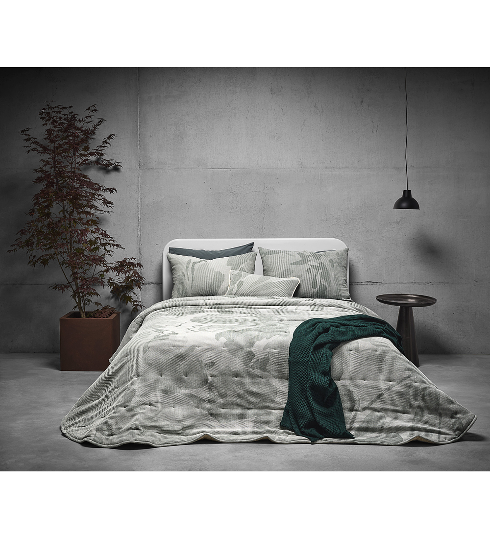 Comforter Ornato