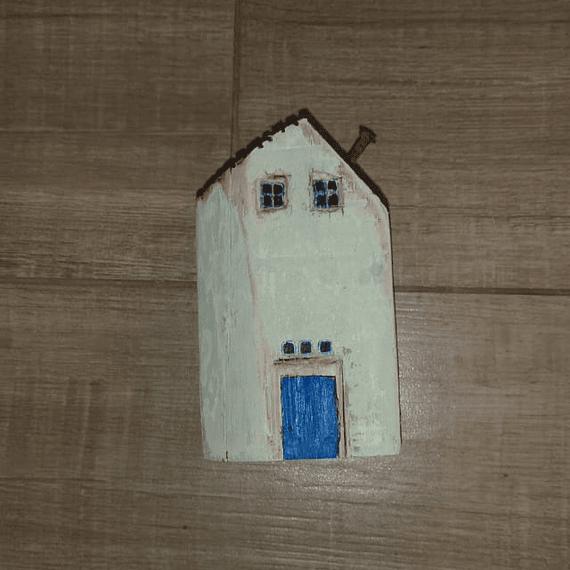 Casita Puerta azul