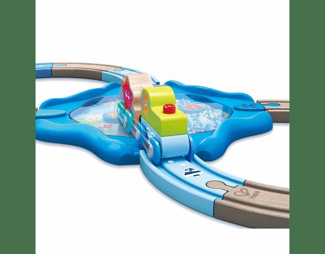 Pista de tren submarina forma 8