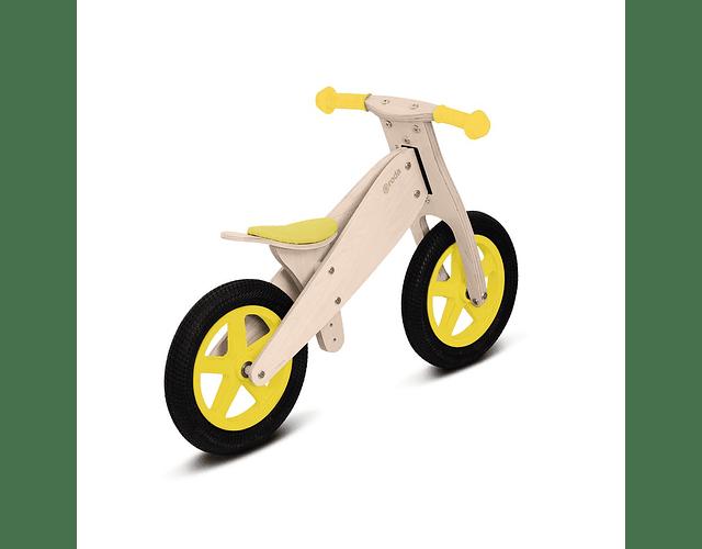 Bicicleta clásica amarilla