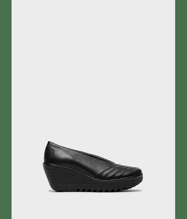 Sapato em Cunha Yaku - Fly London