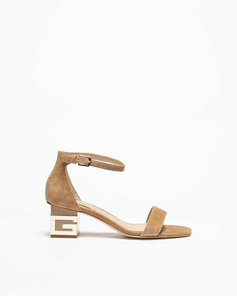 Sandália salto quadrado com detalhe - Guess