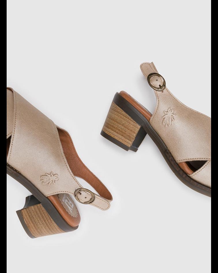 Sandálias com Tira no Calcanhar em Bege - Fly London