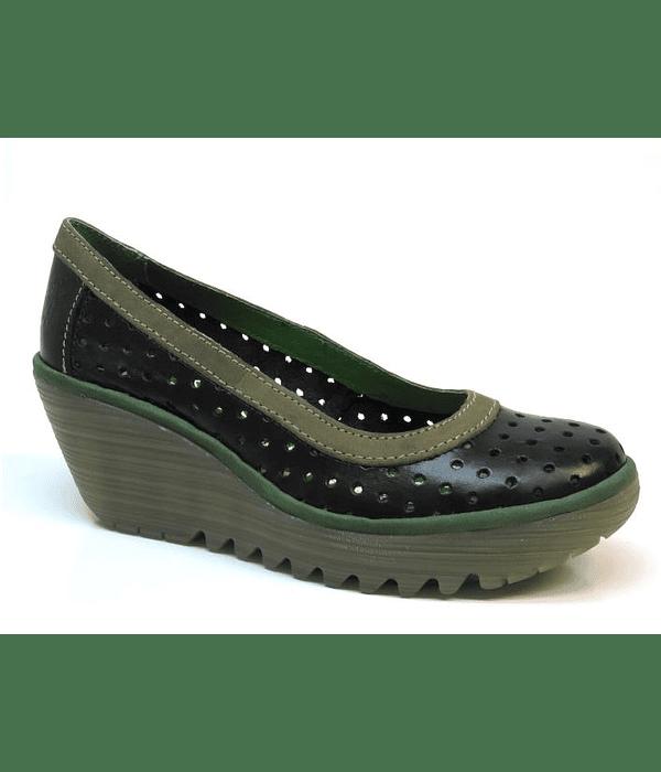 Sapatos de Cunha Perfurados - Fly London