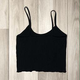 Top Crop Negro con tiritas diseño lineal