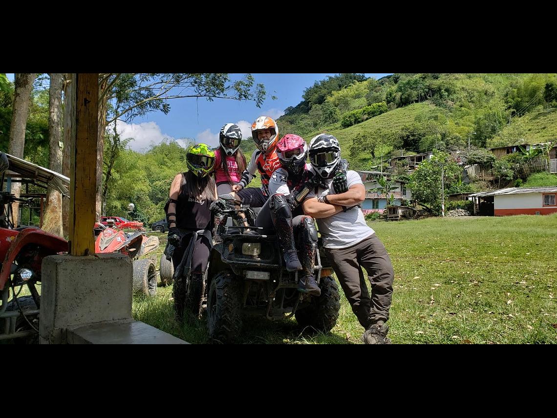 Adrenalina Sobre Cuatro Ruedas