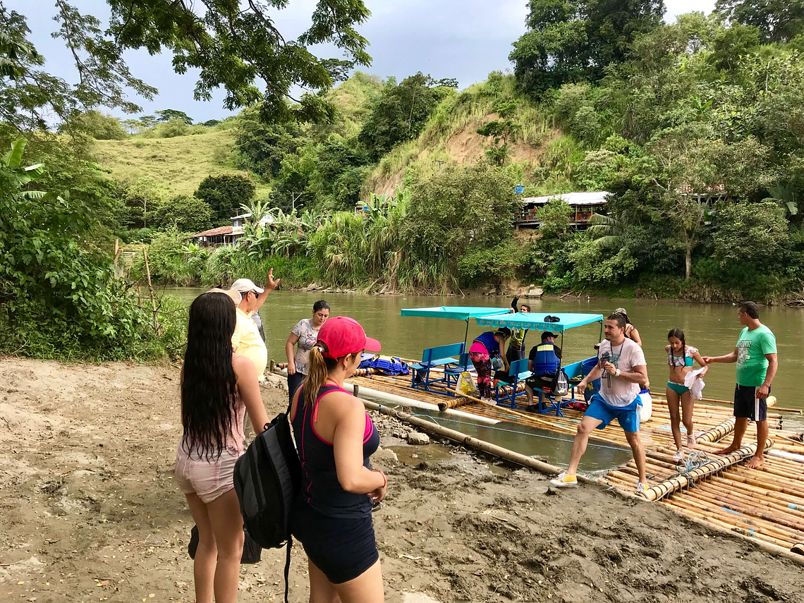 Balsaje Experience In The Rio La Vieja