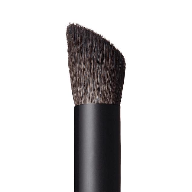 Nars Nmu Artistry Brush 43 Wide Contour eye shadow brush N1846
