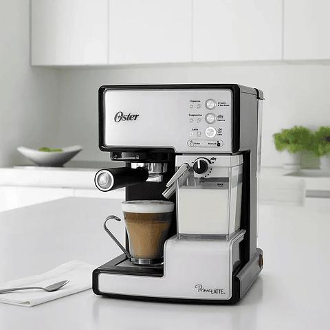 Cafetera automática PrimaLatte Oster roja 6601W