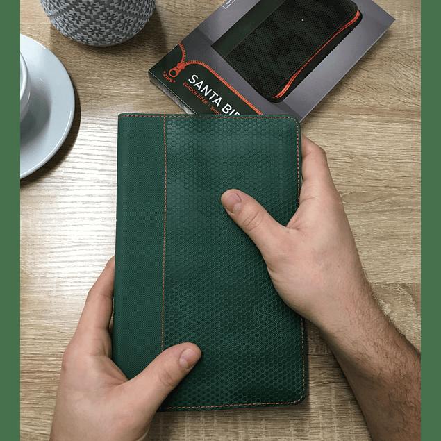 Biblia NTV, Edición zíper Camuflaje Verde