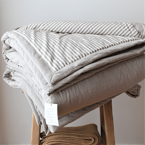 Bedspread Nut and Striped Nut