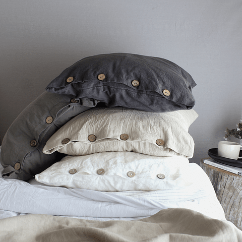 Set of Pillow Cases with Buttonhole and Graphite Gray Button