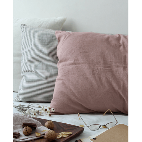 Wales Malva cushion