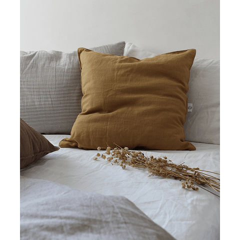 Carcassonne Linen Curry Cushion