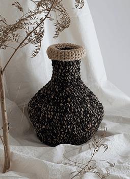 Vasija cuello negra y yute