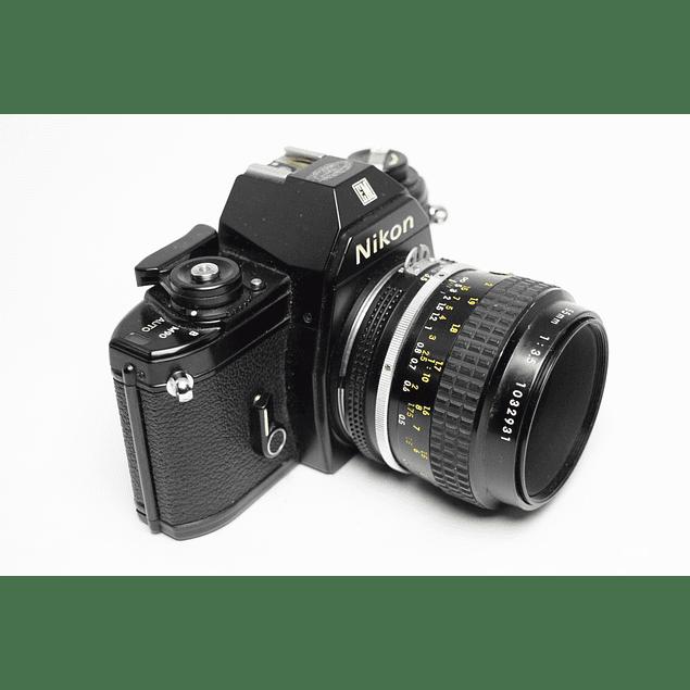 CÁMARA FOTOGRÁFICA REFLEX ANALÓGICA 35mm NIKON EM  + LENTE NIKKOR 55mm f3.5