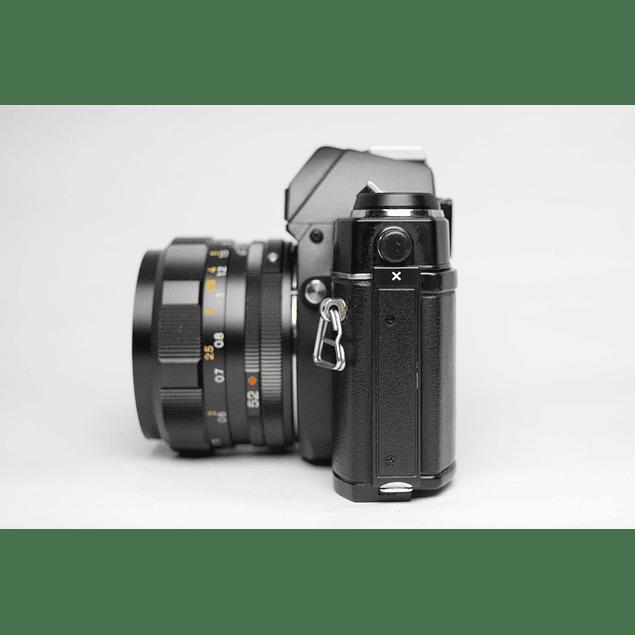 CÁMARA FOTOGRÁFICA REFLEX ANALÓGICA 35mm KONICA AUTOREFLEX TC + LENTE  52mm  F1.8