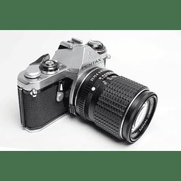 CÁMARA FOTOGRÁFICA REFLEX ANALÓGICA PENTAX ME + Lente  135mm f3.5