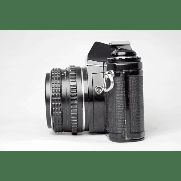 CÁMARA FOTOGRÁFICA REFLEX ANALÓGICA PENTAX ME + LENTE PENTAX 50mm f2