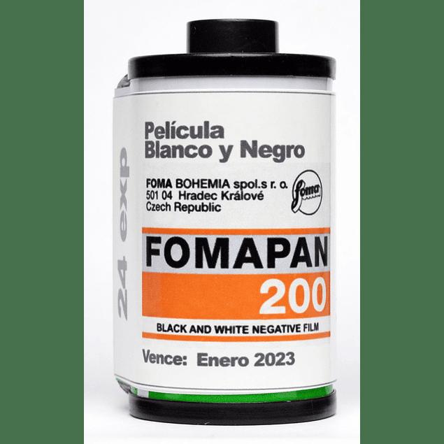 ROLLO ( CARGA) PELICULA BLANCO Y NEGRO 35mm FOMAPAN 200, 24 exp.